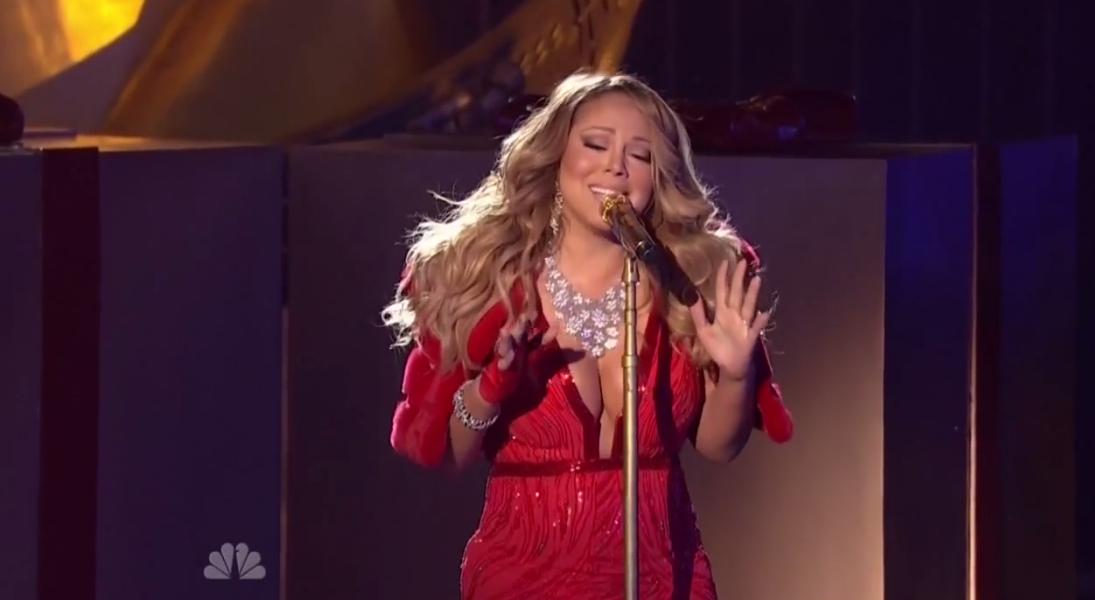 Mariah-Carey-Christmast-Tree-Lighting-2014