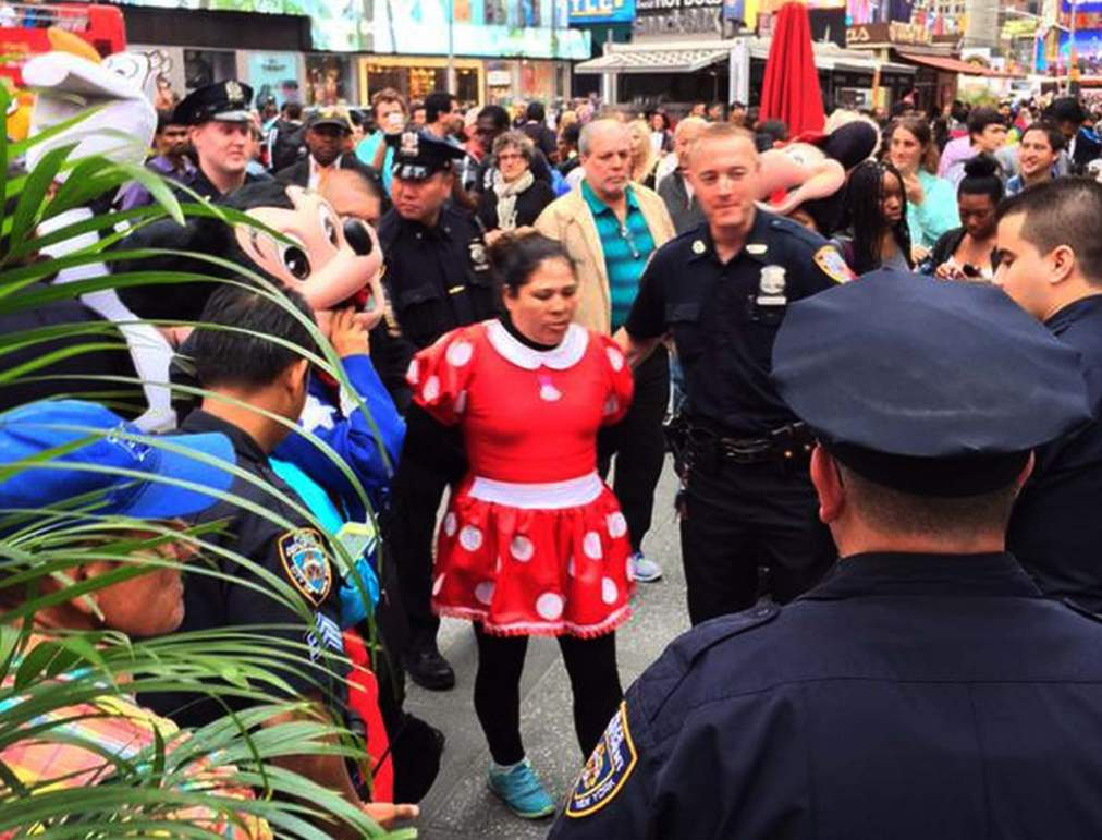 minnie-mouse-arrested-times-square
