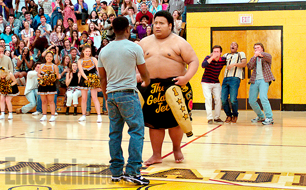CENTRAL INTELLIGENCE (2016) (center l-r) KEVIN HART as Calvin and DWAYNE JOHNSON as Bob